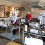 DNZ «KHVPKU» hostynno zustrichalo maybutnikh abituriyentiv z riznykh shkil m. Khersona