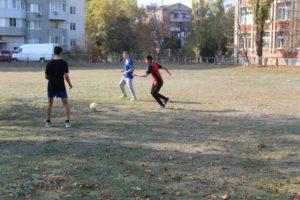 Pershistʹ uchylyshcha z futbolu