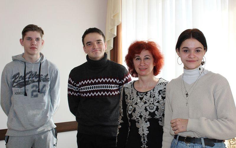 VITAYEMO_PEREMOZHTSIV!